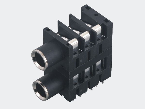 丰力克(Phonic) 6.35话筒插座应用案例